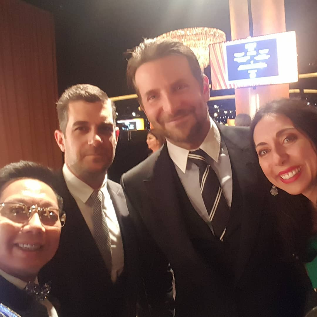 image-858317-With_Bradley_Cooper_before_dinner_and_PGA_friends_at_the_Producers_Guild_Awards-9bf31.jpg